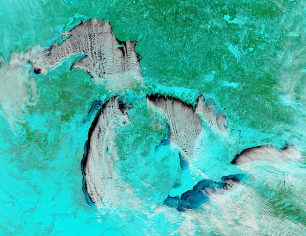 Cloud streets and ice on the Great Lakes (false color)