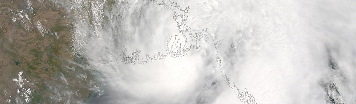 Tropical Cyclone Roanu (01B) approaching Bangladesh