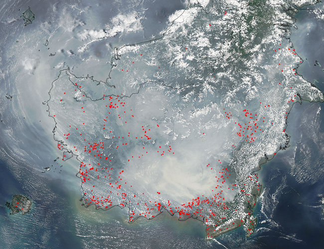 Smoke and fires in southern Borneo