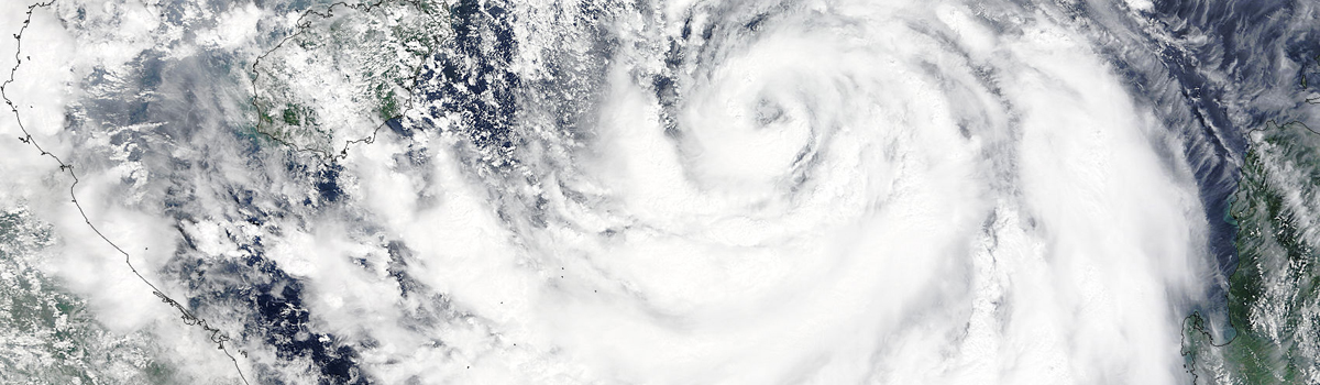 Typhoon Mujigae (22W) approaching China