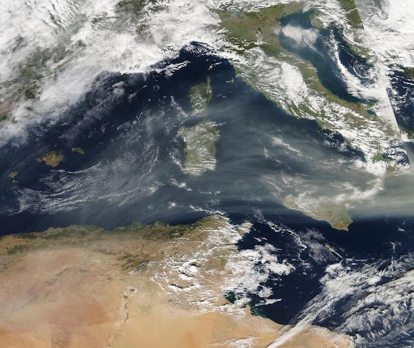 Smoke from Colorado over the Mediterranean