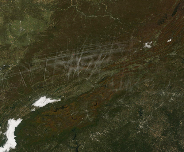 Contrails over the Appalachians