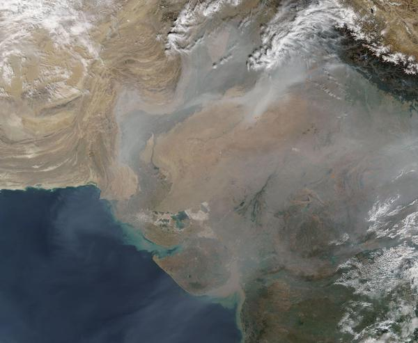 Fires Continue in India and Pakistan